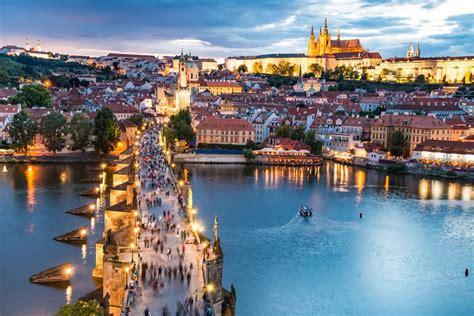 Der jerusalemweg bringt verschiedene religionen, nationen und kulturen in einem außergewöhnlichen friedensprojekt zusammen und steht für gegenseitige anerkennung, toleranz und wertschätzung der verschiedenen. 100 Jahre Tschechoslowakei: 10 Top-Sehenswürdigkeiten in Tschechien & der Slowakei