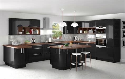 decoration des cuisines modernes cuisine bois ilot central plan travail en bois ideeco