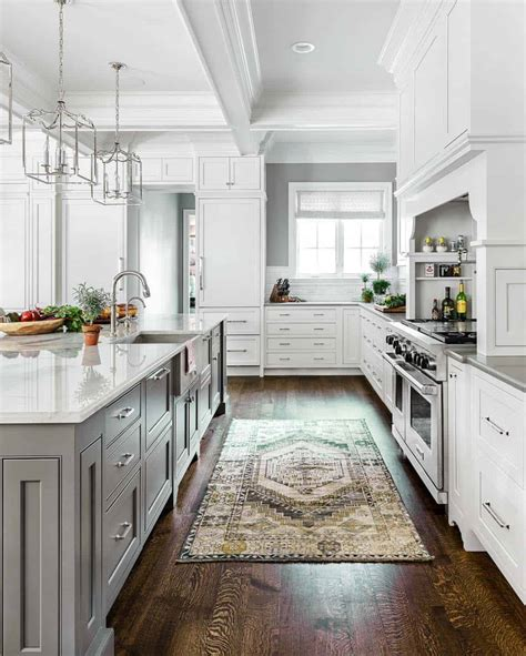 White Kitchen Countertop - 30 beautiful and inspiring light filled kitchens with
