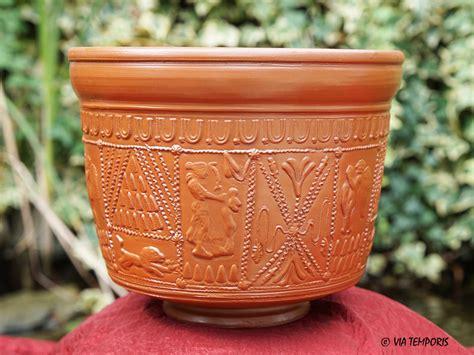 騅ier de cuisine en ceramique ceramique gallo romaine bol sigillee du sud de la gaule drag 30 diane via temporis