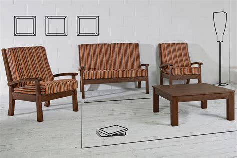 divano e poltrona lar7 divano divano rustico in legno con cuscini