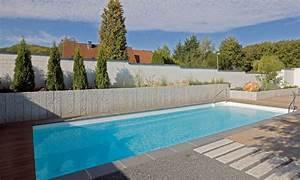 poolanlagen im garten kunstrasen garten With französischer balkon mit garten pool fertigbecken