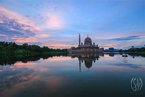 putra mosque  id