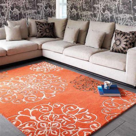 tapis de salon baroque orange avec arabesques par joseph lebon