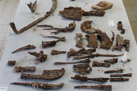 200 outils agricoles antiques retrouv 233 s intacts 1800 ans plus tard wikiagri fr