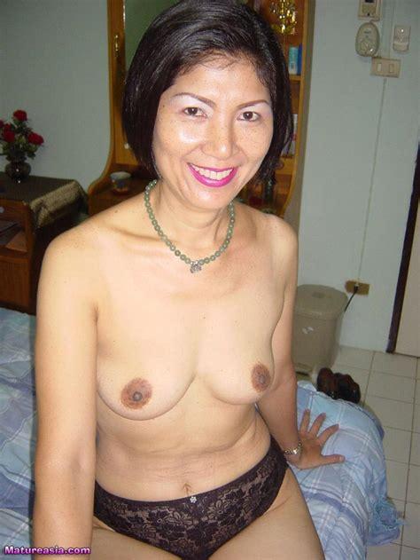 Hot Horny Older Asian Pussy