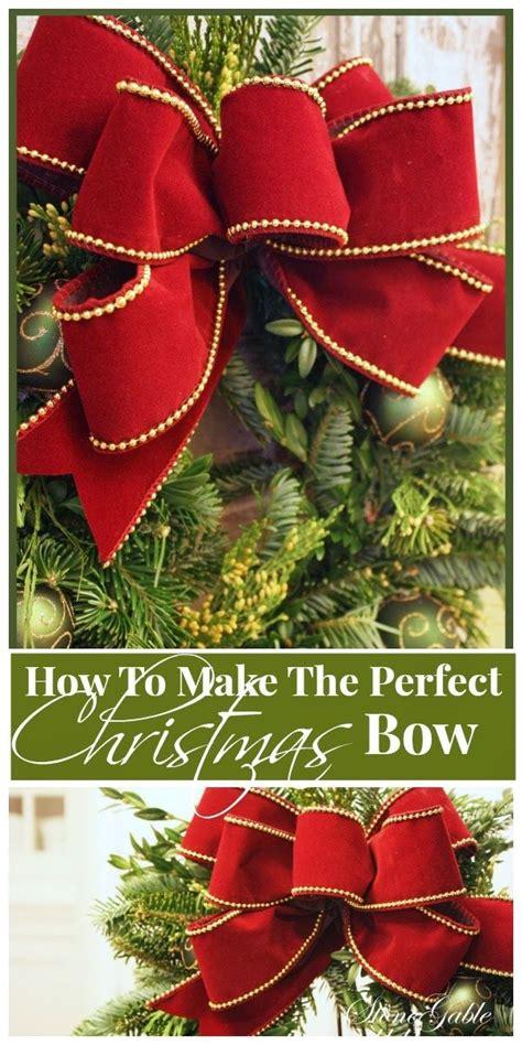 making  christmas bow wreaths doorswag christmas
