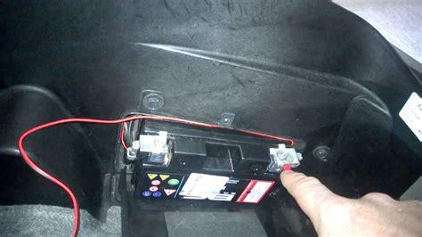 si e auto 1 guida come collegare il mantenitore di carica della