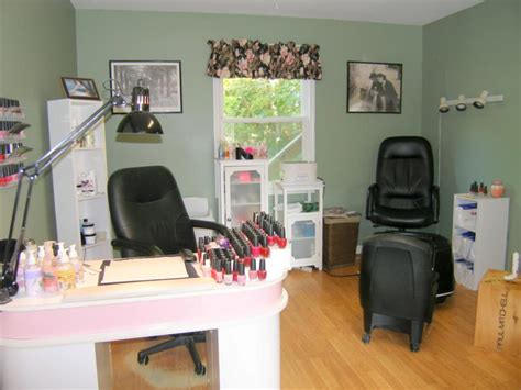 Small Salon Decor Ideas by Small Nail Salon Interior Design