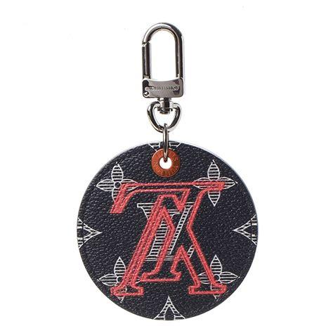 louis vuitton monogram ink upside  illustre bag charm key holder