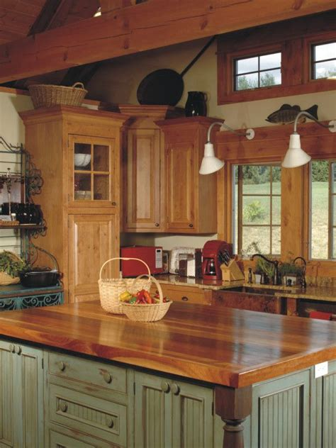 pictures of tiled kitchens best 25 birch cabinets ideas on maple kitchen 4220