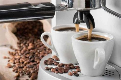 Use enough vinegar to make a full pot of coffee. How Do You Clean A Coffee Maker With Vinegar - 8 steps