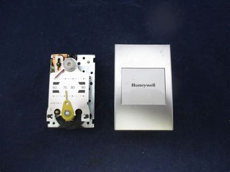 Honeywell Thermostat 2460 by Honeywell Tp970a 2004 4 Pneumatic Thermostat 0548