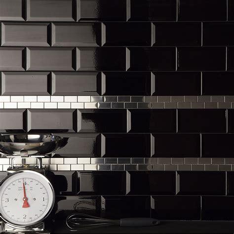 carrelage mural m 233 tro artens en fa 239 ence noir 7 5 x 15 cm