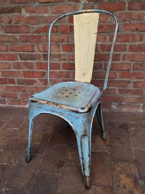 chaise style tolix chaise industrielle tolix en patine d 39 origine bleu ciel et