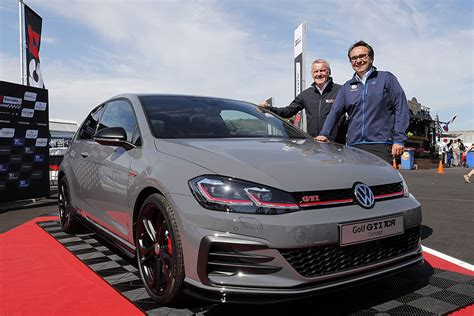 golf gti tcr volkswagen launches the golf gti tcr concept tcr hub