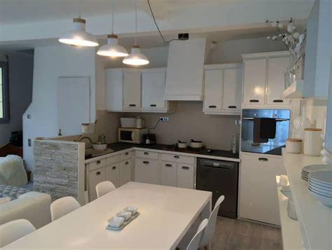 cuisine gris clair et blanc cuisine sol gris clair 11 un salon f233233rique en gris