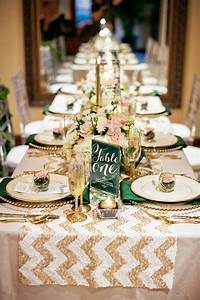 Wedding table runners – table setting ideas for a very