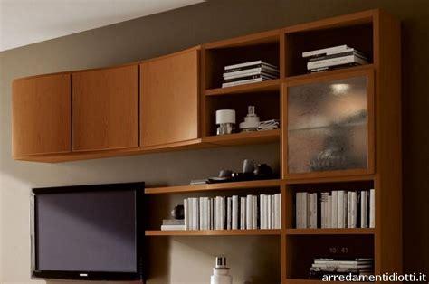 soggiorni in ciliegio soggiorno in ciliegio con anta profilo massello porta