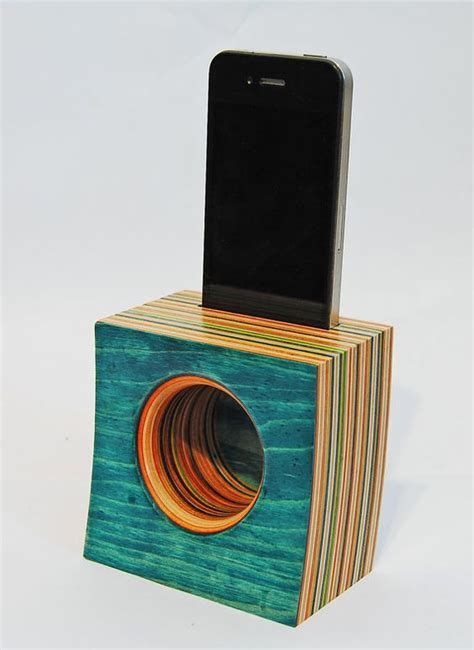 pin  sandy hayes  projects wooden speakers iphone