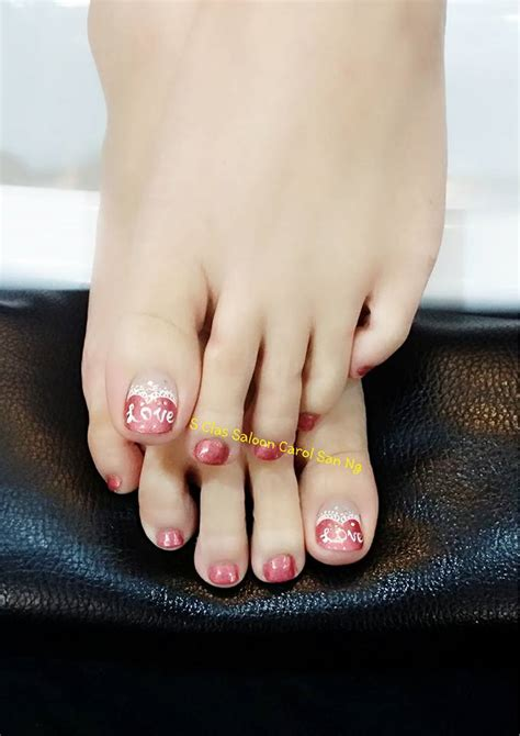stunning wedding toe nail ideas   big day