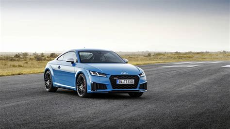 audi tt   standard features refined exterior design
