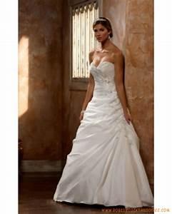 robe de mariee elegante en satin ornee de plis et de With robe de mariée élégante