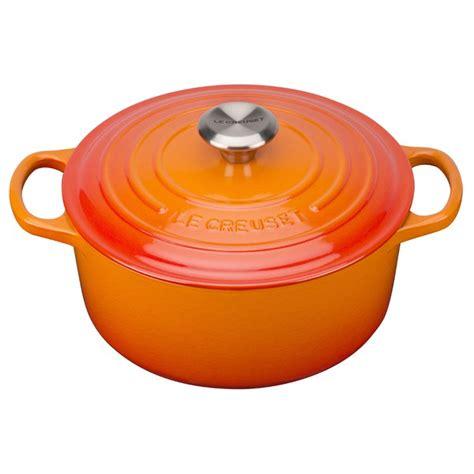 le creuset signature cast iron casserole dish 24cm volcanic iwoot