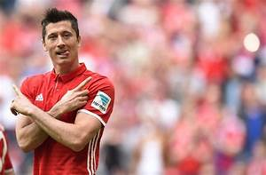 Lewandowski's treble in Bayern romp delights Ancelotti