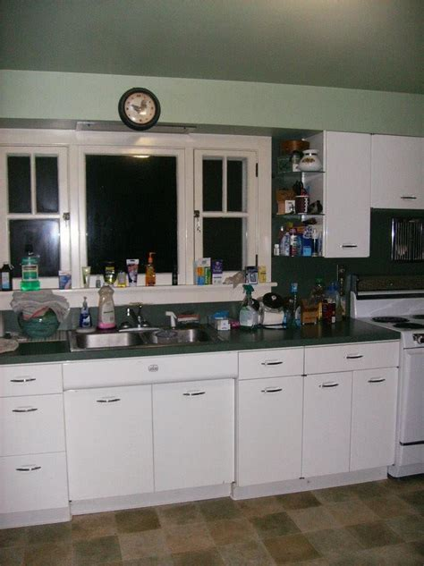 vintage steel kitchen cabinets for 1950 s vintage metal geneva kitchen cabinets there is a 9583