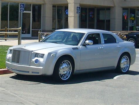 Bentley Kit For Chrysler 300 by Chrysler 300 Bentley Conversion Kit Autoblog