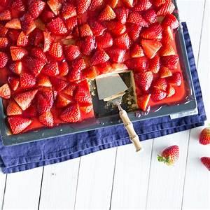 Biskuitboden Blech Erdbeerkuchen : erdbeer becherkuchen vom blech ~ A.2002-acura-tl-radio.info Haus und Dekorationen