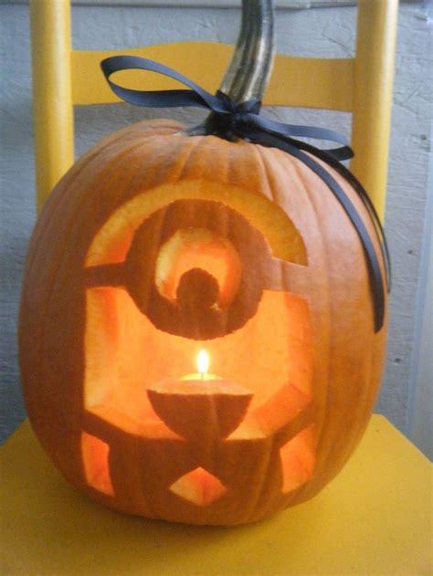 pin  lauren vulcano  fall festivities minion pumpkin