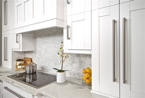 simply white kitchen cabinets simply white innovation cabinetry 5251