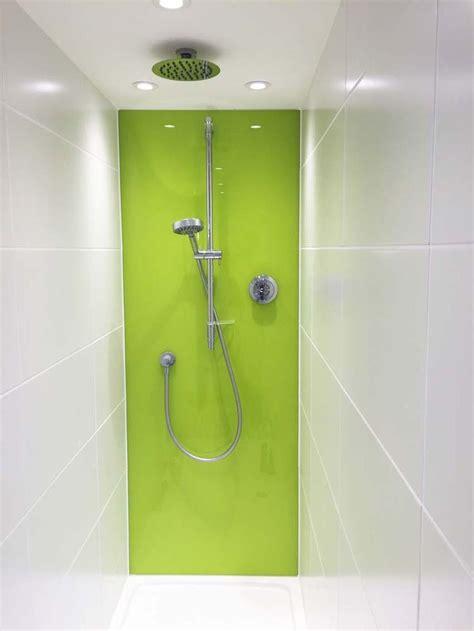 Badewannen Spritzschutz Glas by 17 Best Images About Glass Splashbacks For Bathrooms On