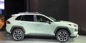 Toyota Rav 4 2019 : 2019 toyota rav4 grows up with more style new powertrains driving ~ Medecine-chirurgie-esthetiques.com Avis de Voitures