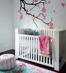 20 idees douces de decoration de la chambre bebe fille With chambre bébé design avec livraison fleurs aujourd hui
