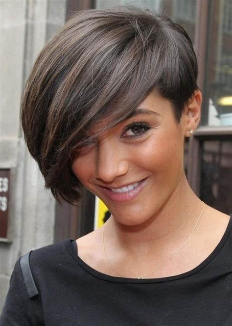 emo hairstyle 2014 chic short hairstyle with bangs for