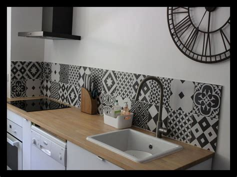 photo de credence pour cuisine credence cuisine noir et blanc cuisine lgante et