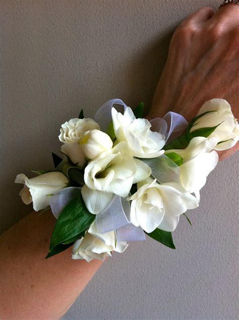 ediths blog weddings  bell flowers
