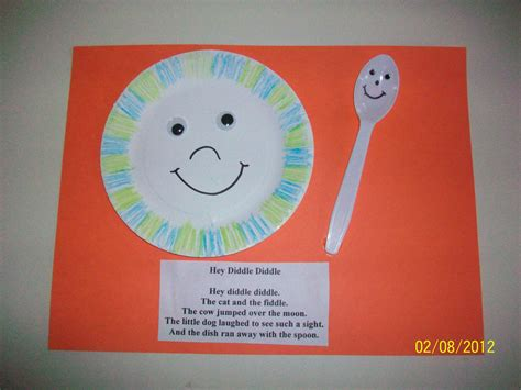 hey diddle diddle nursery rhyme craft class re creations 141 | 7a00f44da7a68cb0e9209da1c0028141