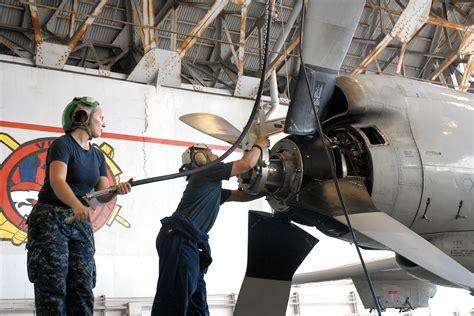 Us Navy 110822-n-zn240-070 Aviation Machinist's Mate