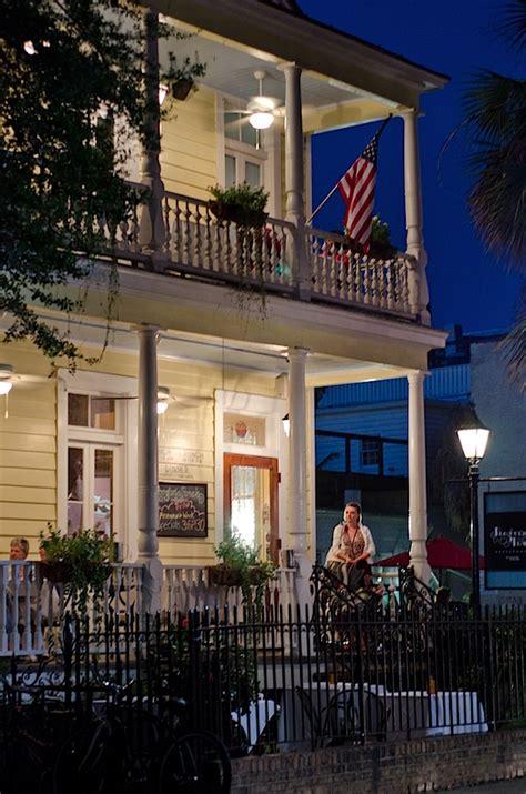 Porch Restaurant Charleston Sc by Poogan S Porch Charleston Sc The Chic