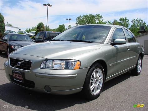 Green Volvo by 2006 Willow Green Metallic Volvo S60 2 5t Awd 9623572