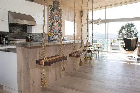 Swinging Bar Stools by Swing Bar Stools And 9 Other Chic Kitchen Ideas Around The