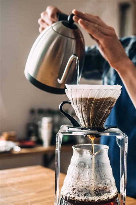 The french press is the most affordable and easy to use coffee maker for brewing that tasty cup of joe while your french press is warming up (for ~30 seconds), it's a perfect time to grind your coffee beans. Coffee Scoop Size: How Many Tablespoons in a Coffee Scoop?