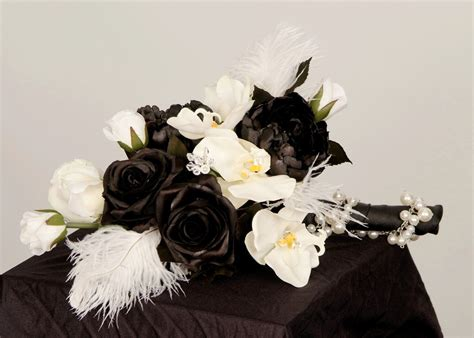 Wedding Bouquets White And Black Wedding Bouquets