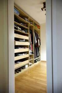 Einrichtung Begehbarer Kleiderschrank : das schlafzimmer durch ein weiteres zimmer bereichern schlafzimmer einrichtung ~ Sanjose-hotels-ca.com Haus und Dekorationen