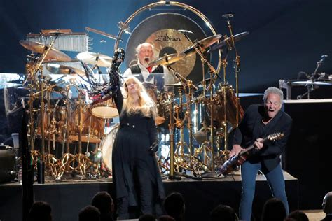 Fleetwood Mac Will Not Tour With Lindsey