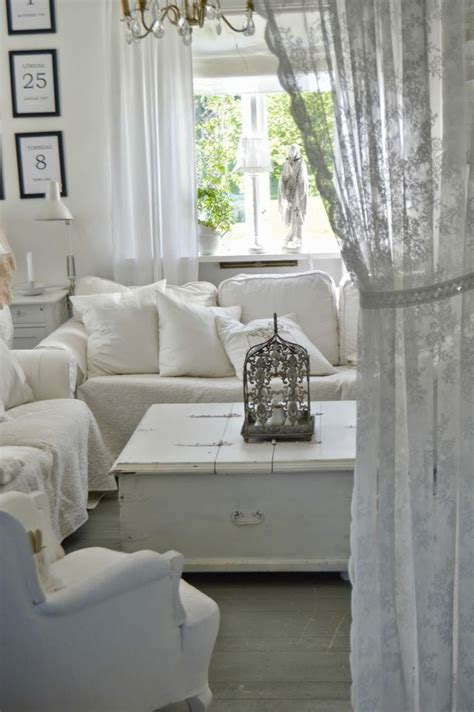 shabby chic livingroom 26 best small shabby chic living rooms images on